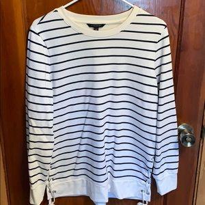 Fashion sweatshirt with side ties